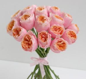 свадебный букет розовый розы